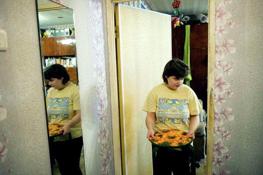 Соня Шаталова: «Я хочу расписывать подносы. Я хочу такую специальность, в которой могла бы что-то делать сама, только сама. Я стесняюсь кого-то просить о том, чтобы учиться в колледже»