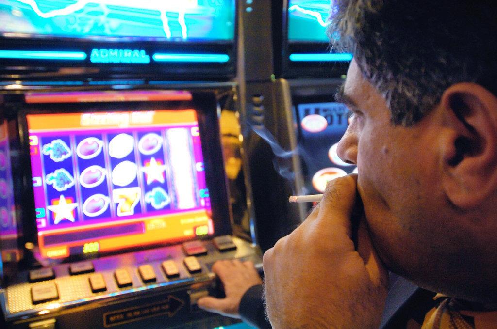 Игровые автоматы взломать novoline игровые аппараты тушино игровые